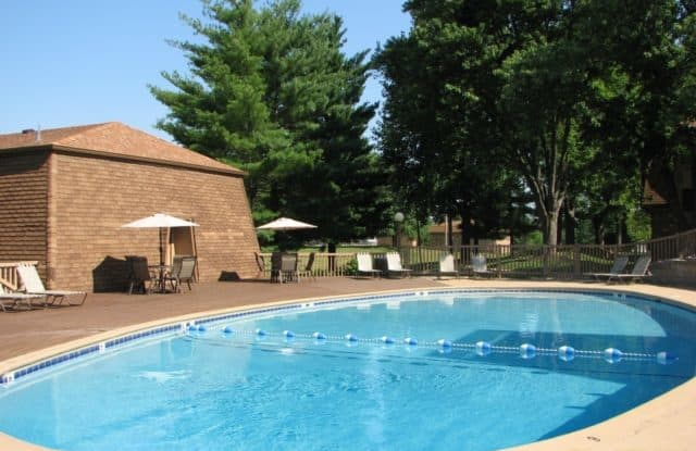Maryland Park Apartments - 2170 McKelvey Rd, Maryland Heights, MO 63043