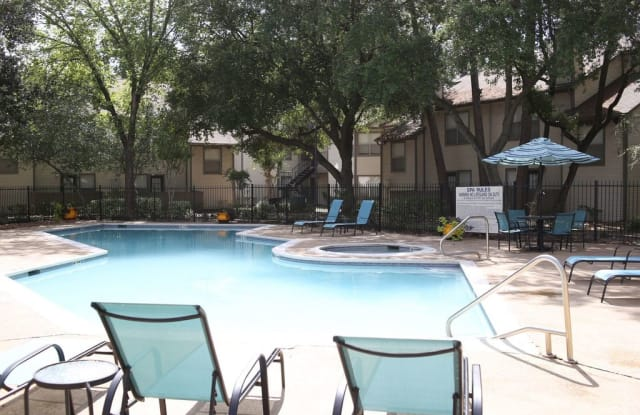 Windsong Village - 2929 Hirschfield Rd, Houston, TX 77373