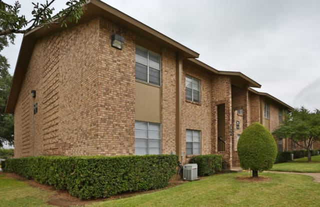 Park Grove Square - 2957 Park Square Dr, Irving, TX 75060