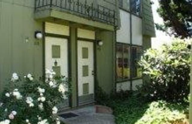Liberty Hill Townhomes - 16001 Liberty St, San Leandro, CA 94578