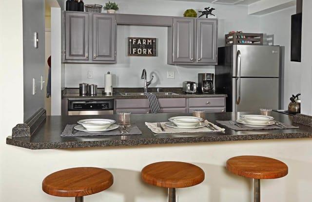 Skidmore Apartments - 86 Circular St, Saratoga Springs, NY 12866