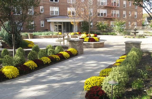 Parktowne Apartments - 11 Raritan Ave, Highland Park, NJ 08904