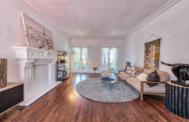 Villa Sevilla - 1342 North Harper Avenue, West Hollywood, CA 90046