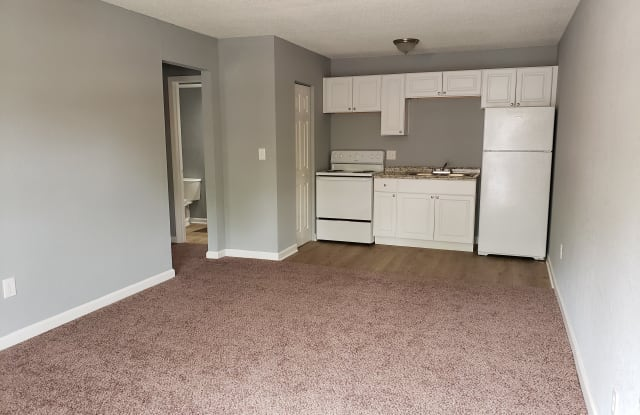 Sugar Creek Apartments - 530 Sundown Drive, Independence, MO 64054