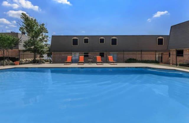 Villas De Sonoma - 3000 Las Vegas Trl, Fort Worth, TX 76116