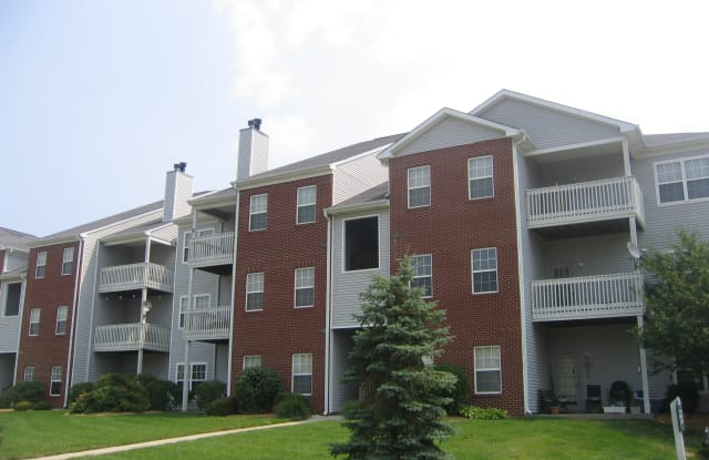 Meridian Oaks Apartments - 187 Love Ave, Greenwood, IN 46142