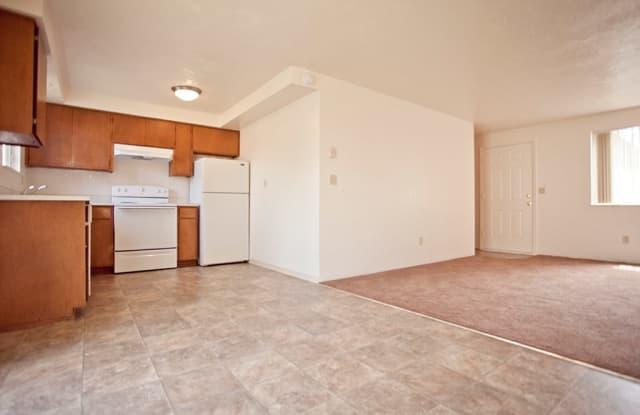 Granada Park Duplexes - 715 Oakdale Avenue, Springfield, OR 97477