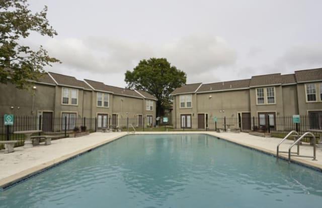 Westchase Apartments - 1013 Manhattan Blvd, Harvey, LA 70058