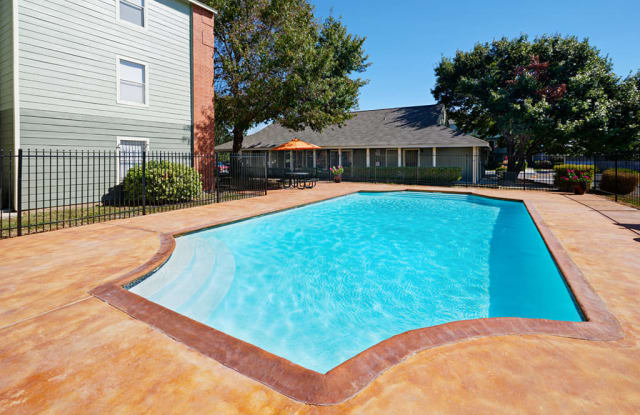Rio Springs - 2800 W Hutchins Pl, San Antonio, TX 78224