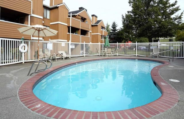 Coventry Court IV - 908 76th Street Ct E, Tacoma, WA 98404