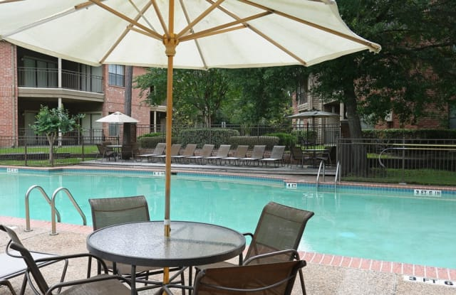 Chasewood Apartments - 9717 Cypresswood Dr, Houston, TX 77070