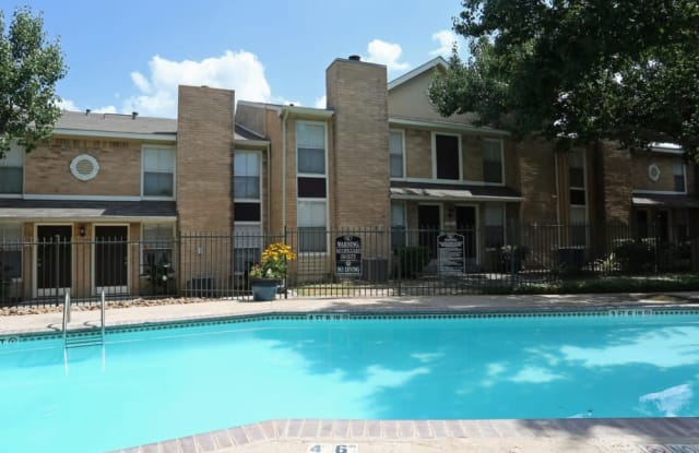 Abbey at Conroe - 231 Interstate 45 N, Conroe, TX 77304