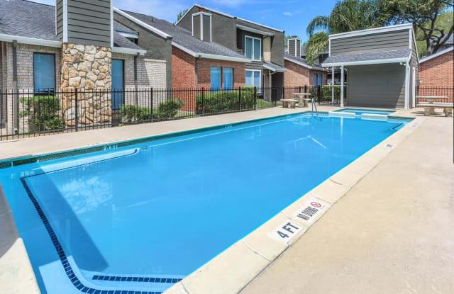 Oak Park Village - 201 Oak Park Drive, Alvin, TX 77511