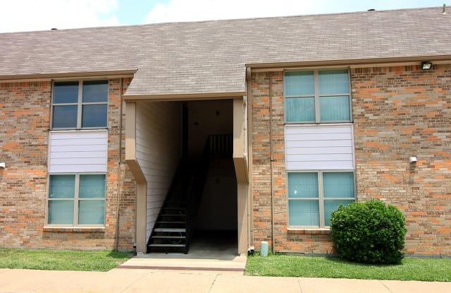 Cleburne Plaza - 400 Phillips St, Cleburne, TX 76031