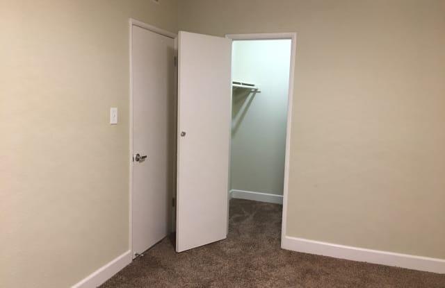Casa Vieja Apartments - 4540 Hazeltine Ave, Los Angeles, CA 91423