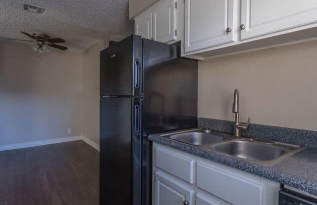 The Place at El Prado - 1050 S Longmore, Mesa, AZ 85202
