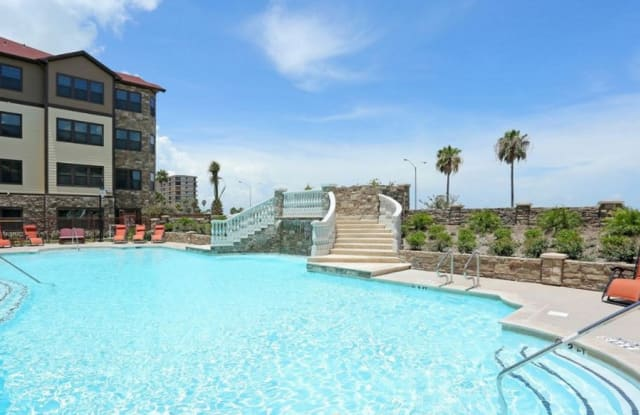 The Villas of Ocean Drive - 4657 Ocean Dr, Corpus Christi, TX 78412