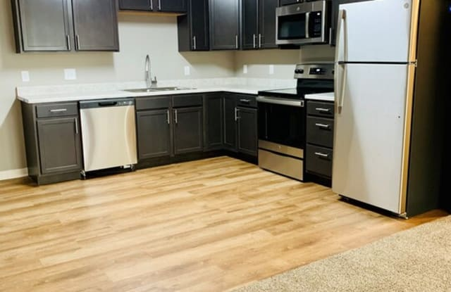 The Pacific Heights Apartments - 402 N Pacific St, North Platte, NE 69101