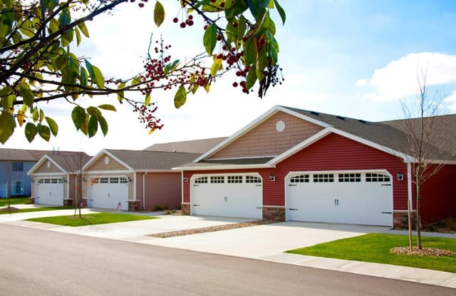 Redwood Fort Wayne Maplecrest Road - 5450 Kinzie Ct, Fort Wayne, IN 46835