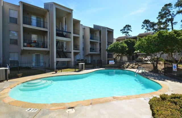 Fountain Woods Apartments - 3565 Delaware St, Beaumont, TX 77706