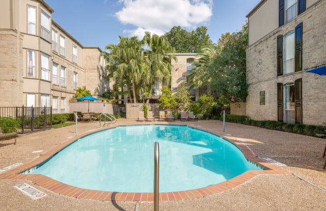 Towne Plaza - 4655 Wild Indigo St, Houston, TX 77027