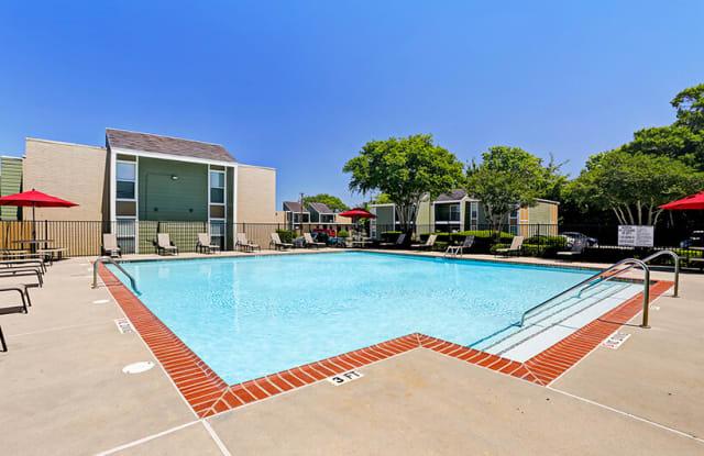 Edgebrook Apartments - 101 E Edgebrook Dr, Houston, TX 77034