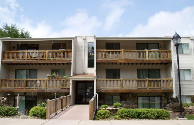 Park Place Apartments - 12115 William Plz, Omaha, NE 68144