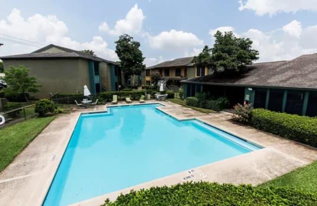 Del Mar Apartments - 10909 Gulf Fwy, Houston, TX 77034