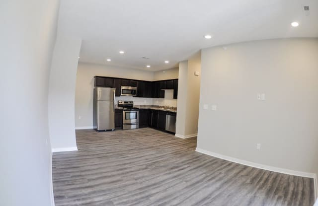 Johnston Gardens Apartment Homes - 5705 NW 57th Ave, Johnston, IA 50131