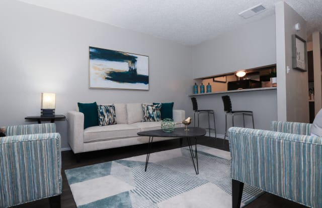 The Cordoba Apartment Homes - 7810 Callaghan Rd, San Antonio, TX 78229