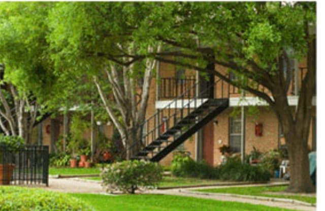Hidden Park - 4225 Mangum Rd, Houston, TX 77092