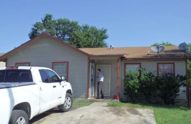 3439 Gateway Dr - 3439 Gateway Drive, San Antonio, TX 78210