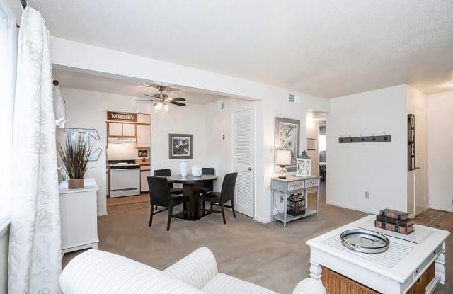Edgefield Apartments - 5699 Craneybrook Ln, Portsmouth, VA 23703