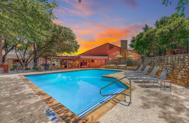 Silverton - 3413 Country Club Dr W, Irving, TX 75038