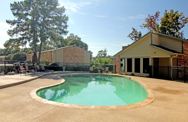 Timbers of Pine Hollow - 2020 Plantation Dr, Conroe, TX 77301