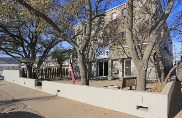 The Square at South Overton - 1612 Avenue Y, Lubbock, TX 79401