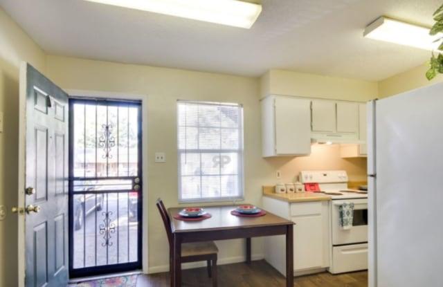 Bent Tree Apartments - 3471 W Briarpark Dr, Memphis, TN 38116