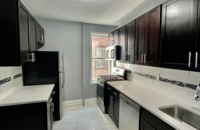 646 Bergen Ave 3L - 646 Bergen Avenue, Jersey City, NJ 07304