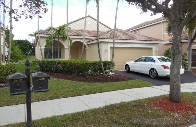 1736 Aspen Ln - 1736 Aspen Lane, Weston, FL 33327
