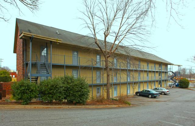 Quail Ridge - 333 10th Avenue Dr NE, Hickory, NC 28601