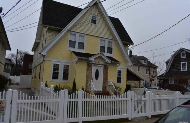 10 Van Cott Avenue - 10 Vancott Avenue, Hempstead, NY 11550