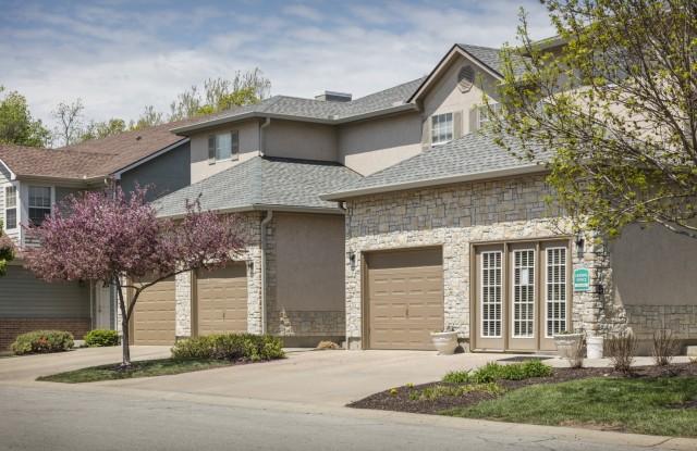 Pine Meadow Townhomes - 14202 West 63rd Terrace, Shawnee, KS 66216