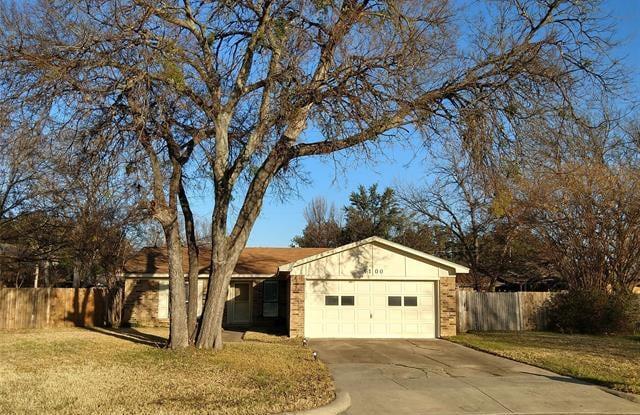 1100 Elderberry Court - 1100 Elderberry Court, Benbrook, TX 76126