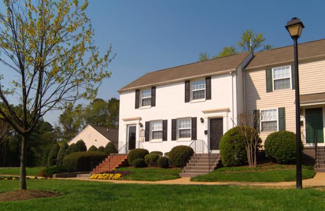The Village at Horsepen - 6701 Dartmouth Ave, Richmond, VA 23226
