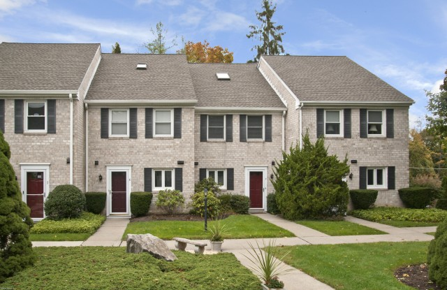 """""""25 Indian Harbor Drive - 25 Indian Harbor Drive, Greenwich, CT 06830"""""""