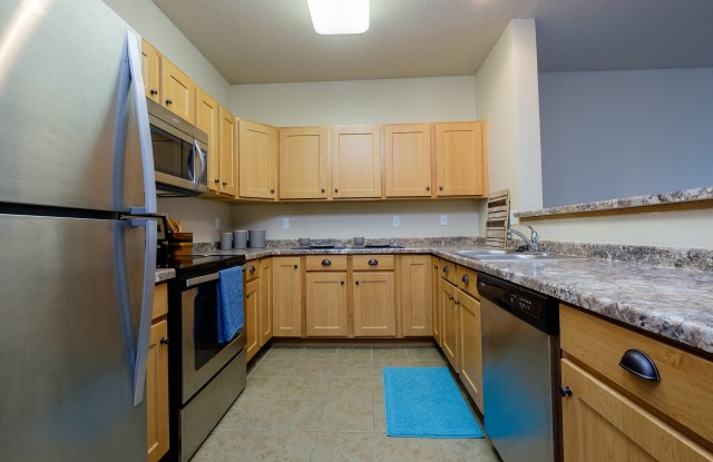 West Lake Apartments - 639 33rd Ave W, West Fargo, ND 58078