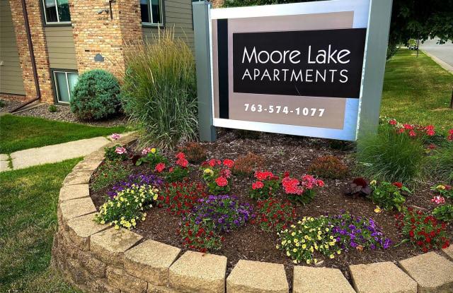 Moore Lake Apartments - 995 Lynde Dr NE, Fridley, MN 55432