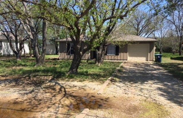 3525 Country Club Rd - 3525 Country Club Road, Denton, TX 76210