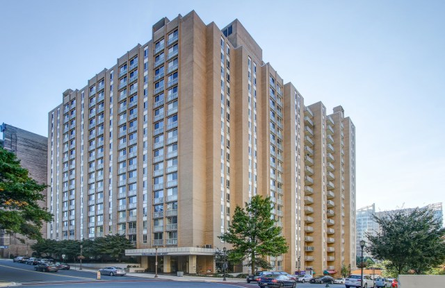 The Highlands of Chevy Chase - 5480 Wisconsin Ave, Chevy Chase, MD 20815