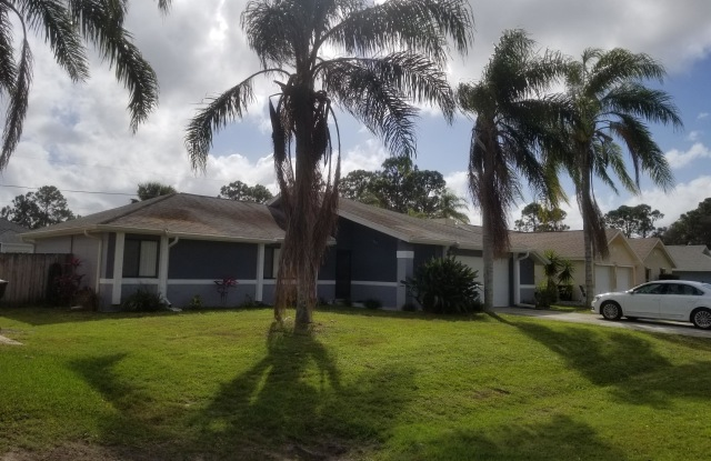 662 Castaways Street - 662 Castaways Street Northeast, Palm Bay, FL 32907